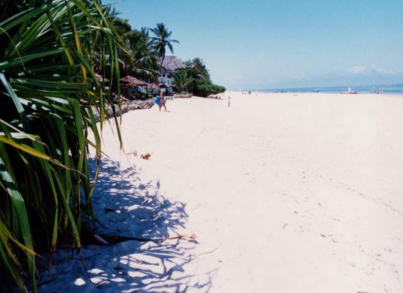 mombasa kenya beach
