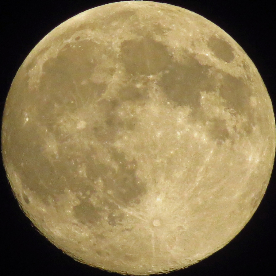 largest supermoon Aug 2014 by AHK