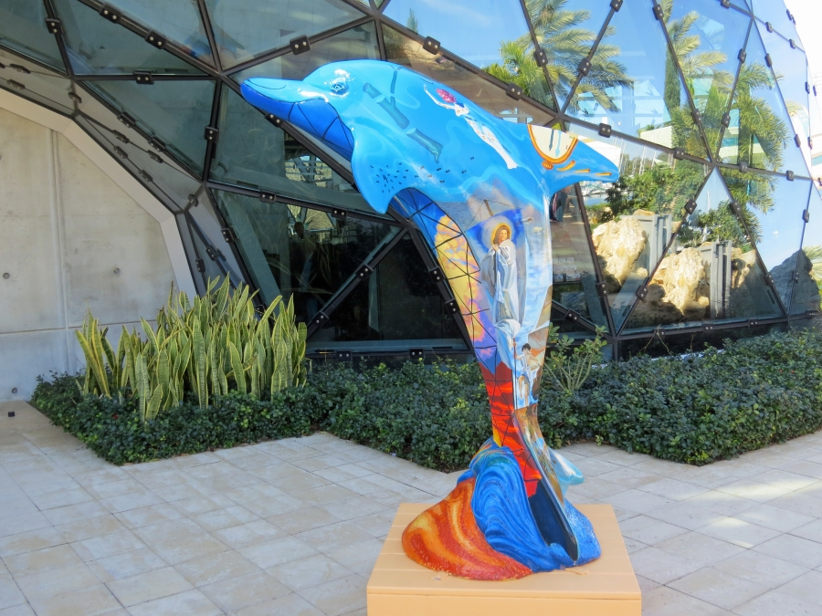 dolphin sculpture at dali museum