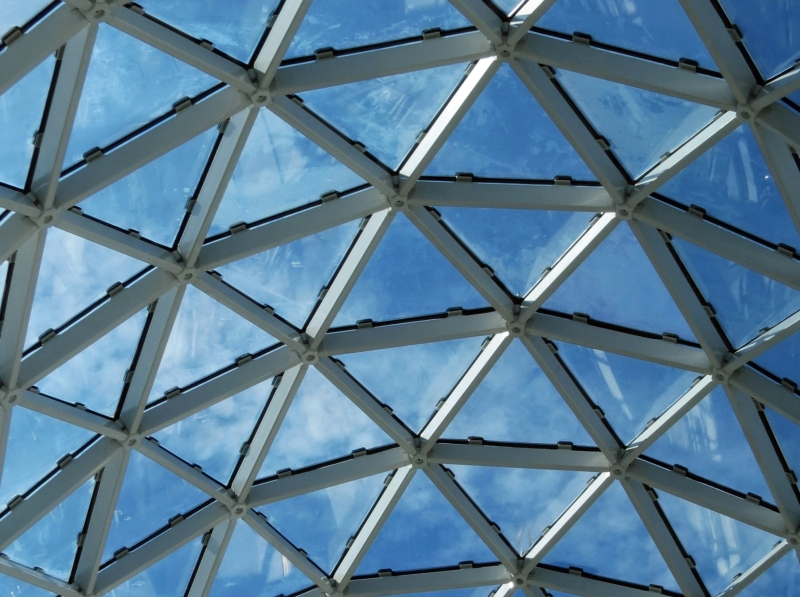 sky through dali museums glass roof2