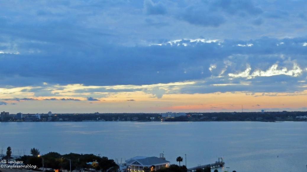bay pre-dawn sunrise 16x9 by tiny