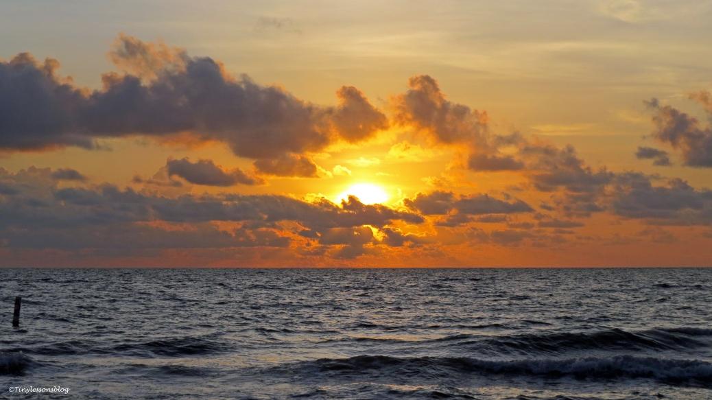 sunset 4 16x9 ud17