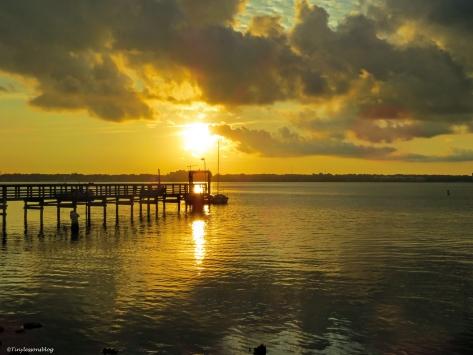 sunrise on the bay ud26