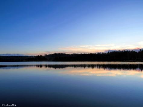 lake at sunrise fi