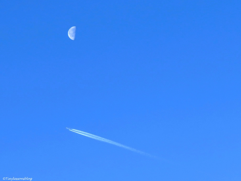 moon and a plane FI