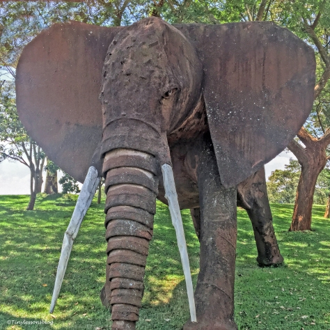 elephant statue ud48