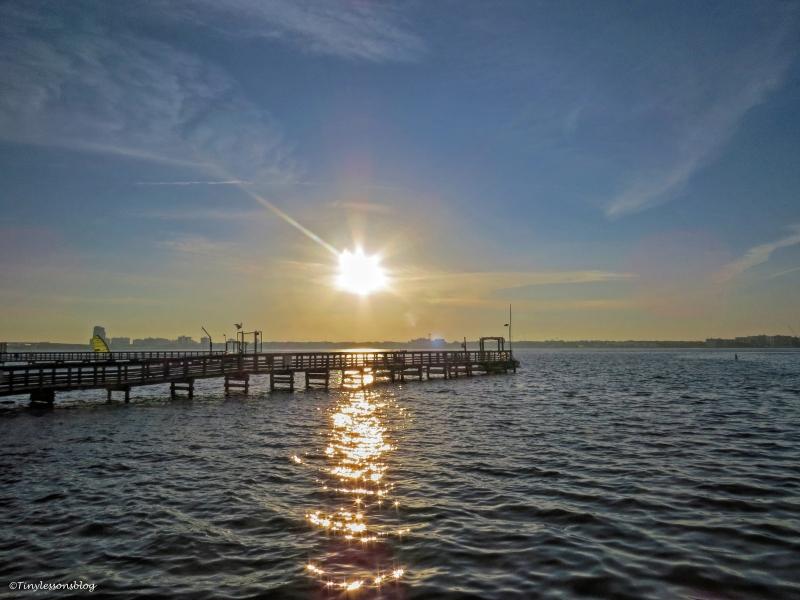 sunrise on the bay ud61