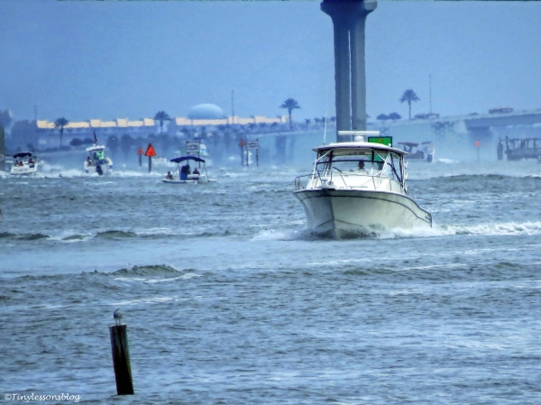 boat traffic on the intracoastal 2 ud70