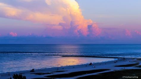 sunrise on the ocean 16x9 ud76