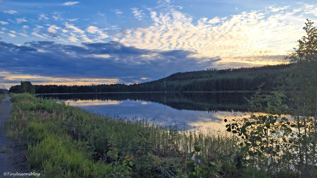 sunset lake 16x9 Finland Aug16 UD75