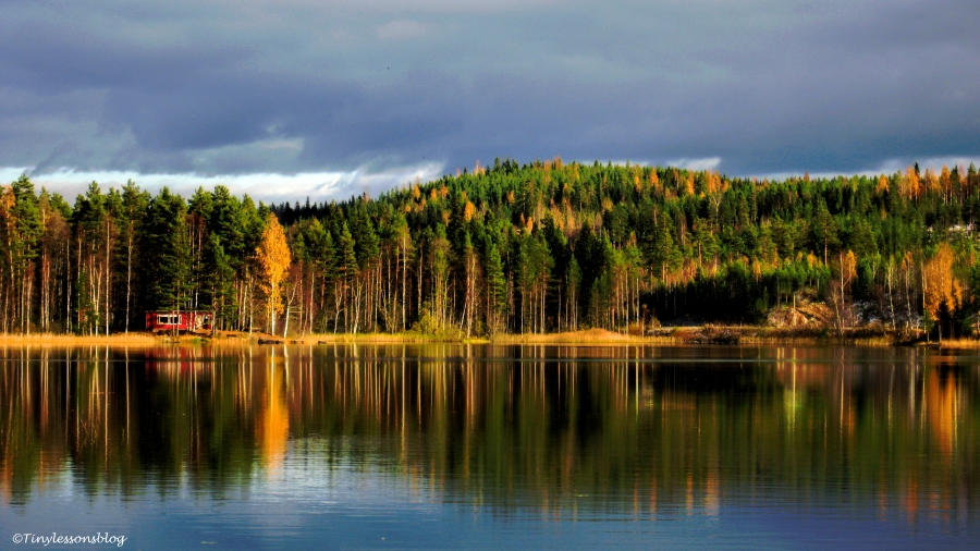lake-in-the-fall-2-ud78-16x9