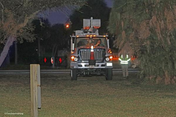 truck-arrives-ud90