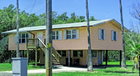 building in everglades city ud123
