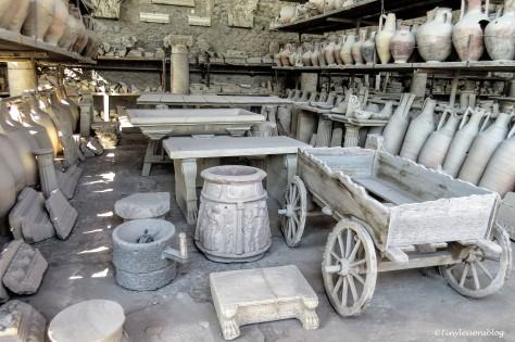 artifacts found in Pompeii