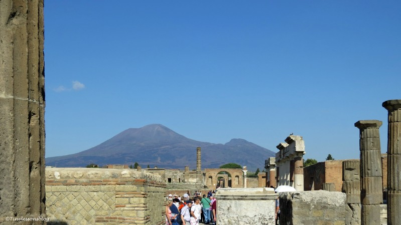 busy forum in Pompeii