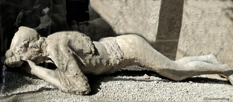 dead woman Pompeii
