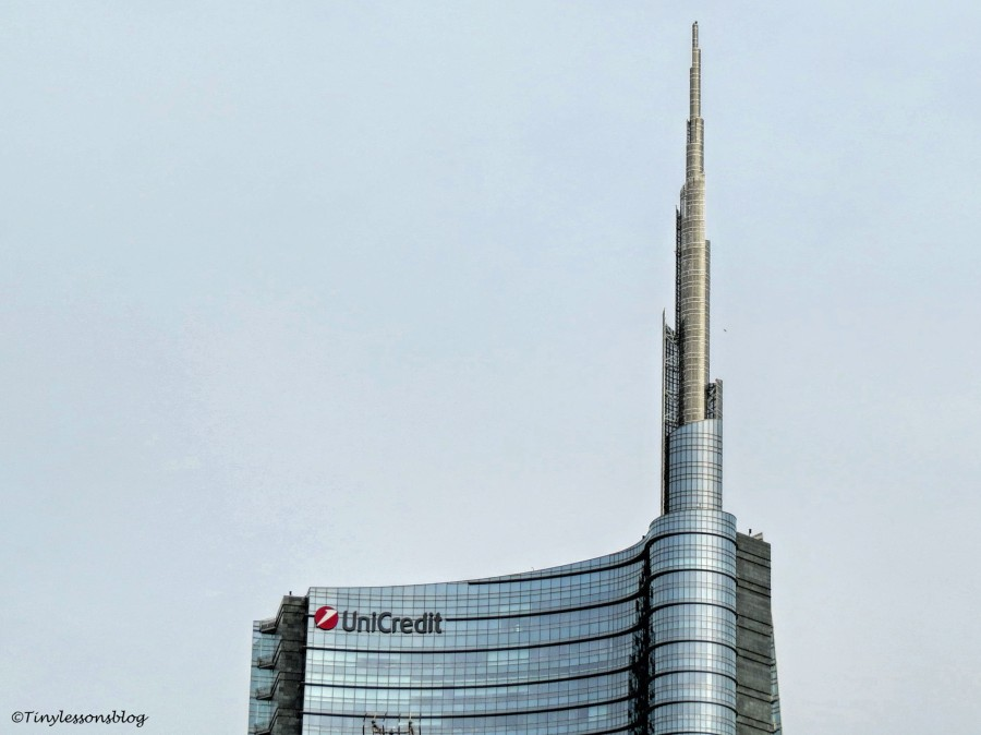 modern skyscraper Milan