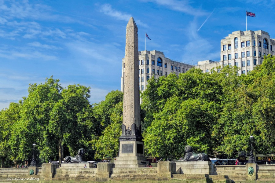 cleopatras needle London UD142