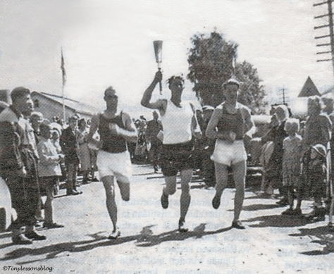 Olympic flame carried by Mikko in summer 1952 UD142_edited-1.jpg