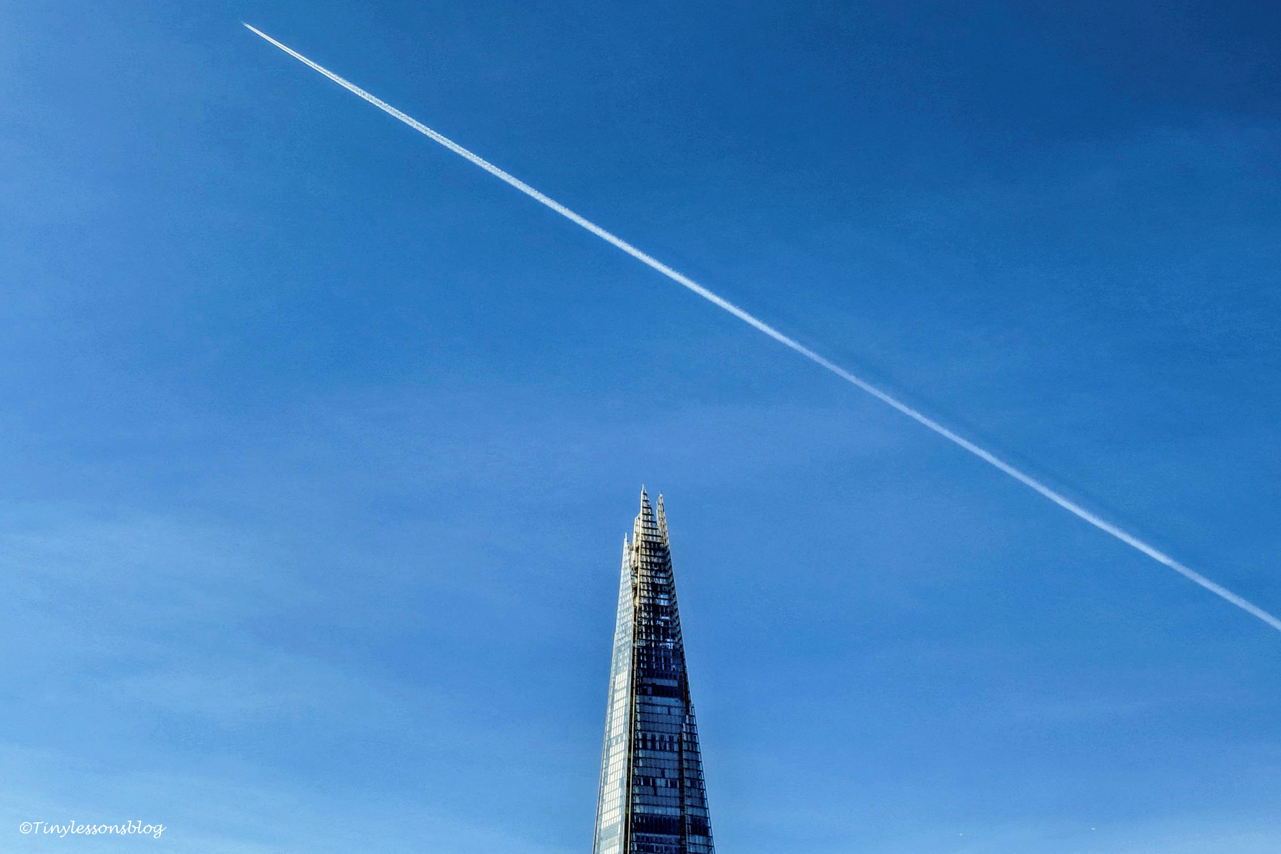 the shard and the plane ud142