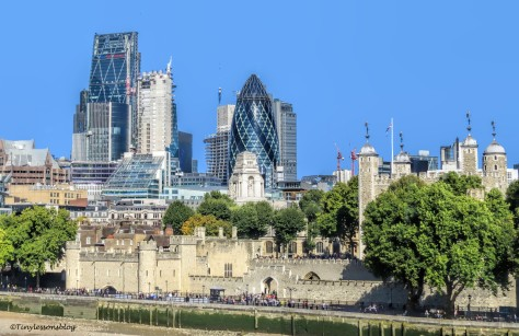 tower of london and the gherkin ud142_edited-1