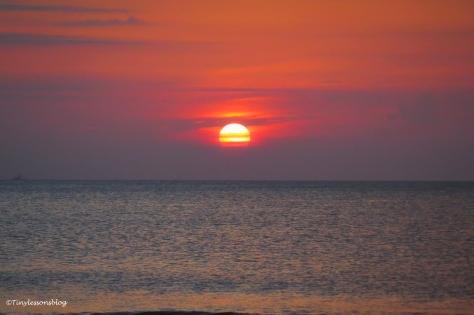 sun is up on Jax beach ud163
