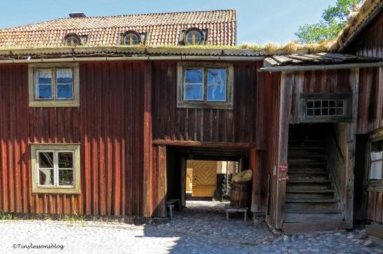 a workman's house ud166