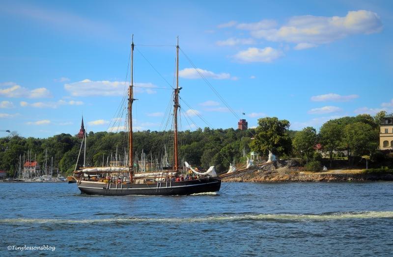 old sailboat ud165