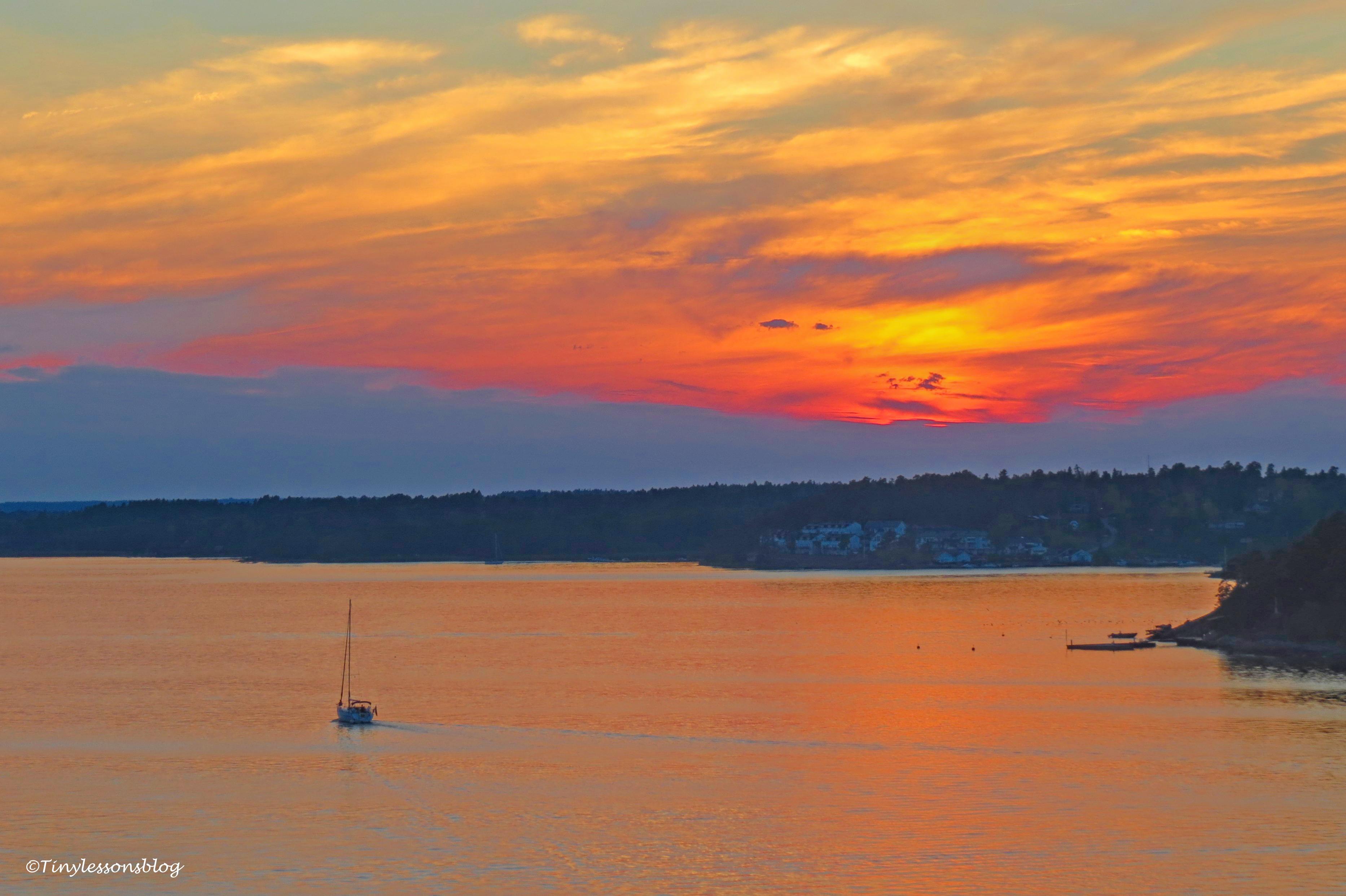 sailing boat at sunset ud169